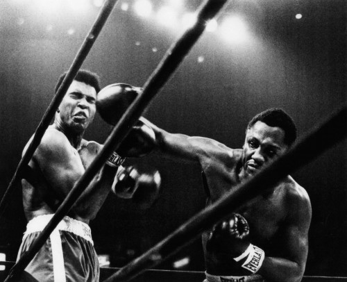 p-62937-joe-frazier-boxing-8x10-photo-right-cross-to-ali-hf-9373-thumb-500xauto-84.jpg